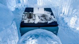ice-hotels-for-vacationers