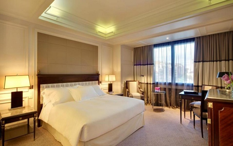 most luxury hotels